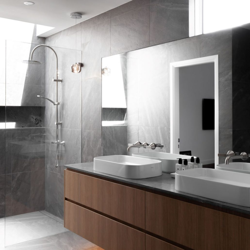 Grey concrete tiles finishes in bathroom